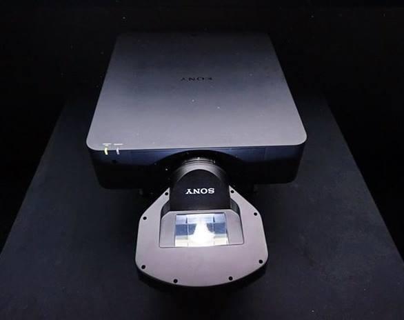 Sony VPLL3003